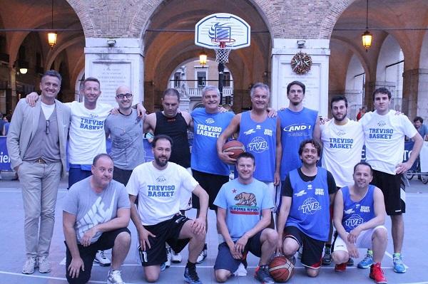 Basket in festa in Piazza dei Signori!