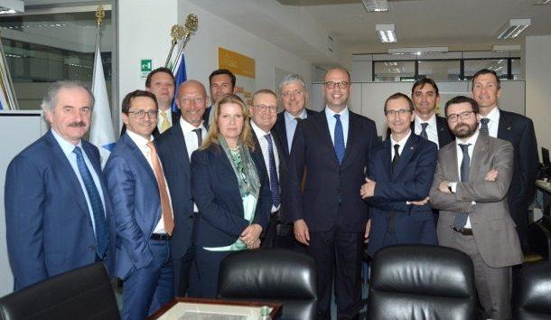 Il ministro Alfano in visita a DBA Group